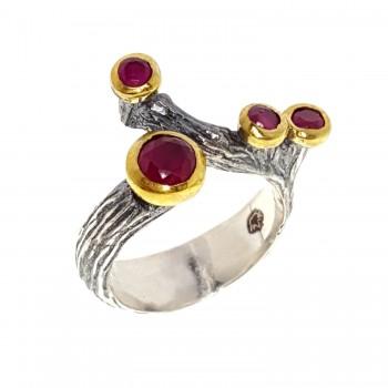 Sidabrinis žiedas su rubinu
